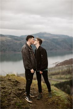 What to wear for couples photos: neutrals - blacks, grays, browns and denim! These cute same-sex couples photos were taken in the Columbia Gorge by Katy Weaver, an adventurous wedding and engagement photographer based in Portland, Oregon