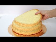 Jak upiec biszkopt (w 5 minut) 💛💛 - YouTube Cake Decorating Tutorials, Eclairs, Vanilla Cake, Muffin, Yummy Food, Make It Yourself, Baking, Breakfast, Cook