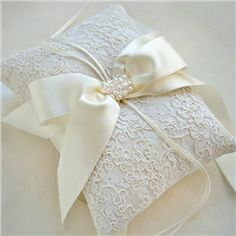 Senior French Lace Wedding Ring Pillow