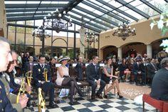 Y todos escuchan muy atentos cada momento. #boda #ceremonia