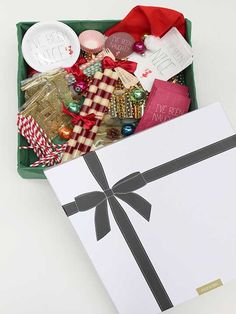 Holiday Party Collection by Revelry House - It's a Party In a Box.... @RevelryHouse!