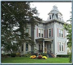 1885 Sutherland House Bed & Breakfast  ____________________________  1885 Renovated Second Empire Victorian featuring the charm of yesteryear embraced with the conveniences of today. Offers five guest rooms featuring fireplaces and whirlpools.