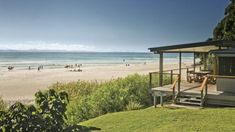Rachel Oakes-Ash finds classic Aussie beach shack comfort at Imeson Cottage, BYRON BAY. Norfolk Beach, Wales Beach, Beach Accommodation, Ocean Front Property, Beachfront House, Beach Shack, Beach Design, Weekends Away, Florida Beaches