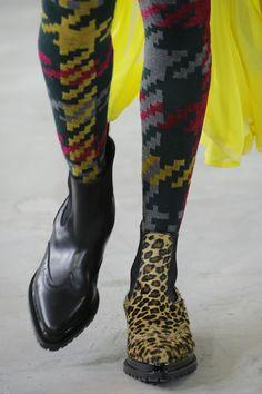 Sacai Fall 2018 Ready-to-Wear Collection - Vogue Дизайнерське Взуття 0d26369535aa6
