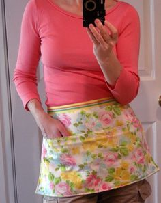 The Vintage Sheet Blog: 10 Minute Pillow Case Apron - peg apron pattern