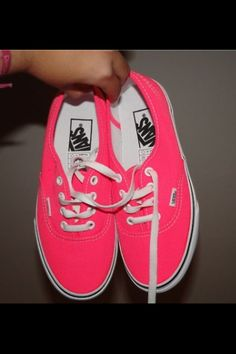 Shop Women's Vans Pink size 8 Sneakers at a discounted price at Poshmark. Description: I bought these last year and I barely wear them! They are bright neon pink with white laces. Neon Pink Vans, Pink Vans Shoes, Pink Converse, Rosa Vans, Cute Shoes, Me Too Shoes, Tennis Vans, Shoe Image, Vans Off The Wall