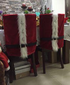 Espaldar de Noel Christmas Chair, Christmas Cushions, Christmas Table Settings, Christmas Elf, Christmas Themes, Christmas Stockings, Christmas Crafts, Christmas Ornaments, Chair Back Covers