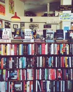 Seeing bookstores like this, you just have to enter.