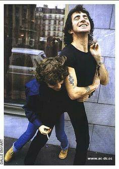 Angus Young Bon Scott 1978