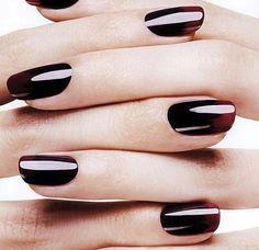 落ち着きのある色で好印象♡黒のモードなおしゃれ ネイル
