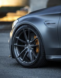 mercedes amg Mercedes-Benz AMG with HRE in Brushed Dark Clear E350 Mercedes, Mercedes Benz Cars, Good Looking Cars, Girly Car, Bmw 1 Series, Wheels For Sale, Expensive Cars, Car Wheels, Custom Cars