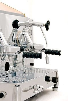 Faema Espresso Machine by Espressoparts Italian Espresso Machine, Espresso Machine Reviews, Espresso Coffee Machine, Espresso Bar, Coffee Maker, Cappuccino Maker, Cappuccino Coffee, Cappuccino Machine, Coffee Shop