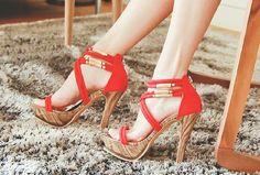 Lindas sandalias de tacón alto   Zapatos de temporada