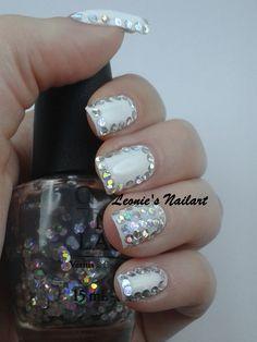 #31dc2 Day 22 Glitter - Leonie's Nailart
