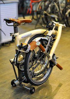 Velo Vintage, Brompton, Bike Run, Bike Accessories, My Ride, Cycling, Cool Stuff, Biking, Sports