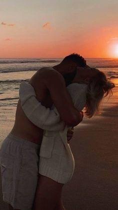 Cute Couples Photos, Cute Couple Pictures, Cute Couples Goals, Friend Pictures, Couple Photos, Photo Couple, Love Couple, Couple Goals, The Love Club