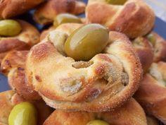 Ελιοκούλουρα - Elpidas Little Corner Greek Recipes, Wine Recipes, Snack Recipes, Cooking Recipes, Snacks, Greek Pastries, Bread And Pastries, Little Corner, Health Diet