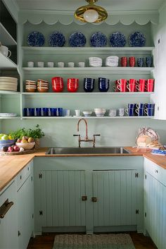 The interior designer shows us how to recreate the charm of her Sag Harbor weekend cottage.
