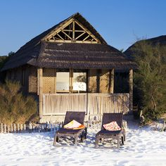 Situated in an idyllic garden, close to the beach, the Garden Tiki Huttes are offered in a 1 or 2 bedroomed version each having a salon, kitchen and b Saint Tropez, Weekend Vacations, Thing 1, Beach Bungalows, Beach Shack, Restaurant, Beach House Decor, Home Decor, Surfing
