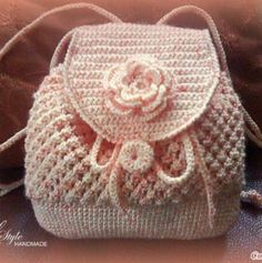 I'd skip the flower (or maybe do the flower in brighter colors, with a different color plan. Crochet Backpack, Crochet Tote, Crochet Handbags, Crochet Purses, Love Crochet, Crochet Crafts, Crochet Stitches, Knit Crochet, Backpack Pattern