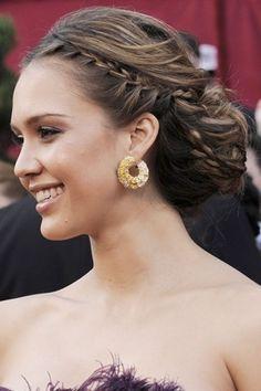jessica alba: love the hair do.