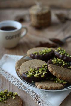 Biscotti al caffè con cioccolato