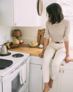 Minimalist Fashion - Minimalist Fashion – Dirty Hippie Style You are in the right place about women's fashion Here w - Mode Outfits, Edgy Outfits, Classy Outfits, Fall Outfits, Sophisticated Outfits, Night Outfits, Summer Outfits Modest Classy, New York Spring Outfits, Hipster Girl Outfits