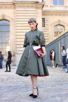ストリートスナップパリ - MADEMOISELLE YULIAさん | Fashionsnap.com