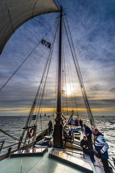 Sailing - null