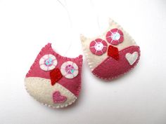 Tiny owl ornaments - set of 2 - white and pink - handmande felt ornaments - Christmas/Housewarming home decor - Baby shower - eco friendly