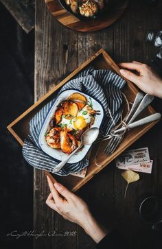Breakfast Plate Cafe Ideas For 2019 Rustic Food Photography, Food Photography Tips, Food Design, Plate Design, Design Ideas, Food Flatlay, Breakfast Photography, Food Porn, Breakfast Plate