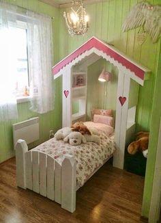 mmfrusjoakersperler.blogsp18 Scandinavian style farmhouse. Cute bed!