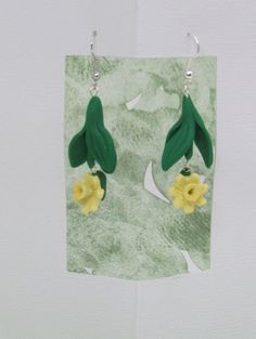 Daffodil Earrings by ClayHoliday on Etsy, $10.65