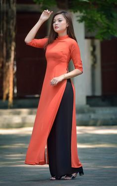Buy lastest womens kurta and shalwar kameez in Pakistan at Oshi. Book Online affordable womens kurta and shalwar kameez in Karachi, Lahore, Islamabad, Peshawar and All across Pakistan Kurta Designs Women, Kurti Neck Designs, Salwar Designs, Kurti Designs Party Wear, High Neck Kurti Design, Latest Kurti Designs, Plain Kurti Designs, Neck Designs For Suits, Dress Neck Designs