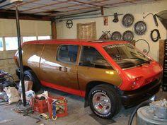 またまた気になるVWベースのキットカーです。 The Brubaker Box 1972年にキットカーとして生産された車らしいのですが、この...
