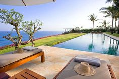 The Istana - a 5 bedroom private villa on the cliff at Uluwatu Bali. Sensational view with legendary sunset, it can host up to 150 wedding guests