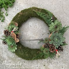 DIY Cemetery Wreaths for All Souls' Day I koszorú mindenszentekre - leírással I Advent Wreath, Diy Wreath, Grapevine Wreath, Christmas Wreaths, Christmas Decorations, Holiday Decor, All Souls Day, Floral Hoops, Fall Diy