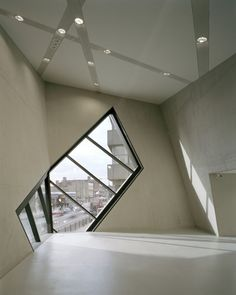 London Metropolitan University Graduate Centre, London, 2004 | Studio Daniel Libeskind
