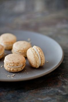 carrot cake macarons with cream cheese frosting filing by Celestial