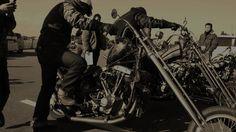 """#Harleydavidson #motorcycle #chopper #bikers #バイカー #friends #友情 #仲間 #祈願 #soultrain #tsop #oldschool @rat_chopper 主催 賢明な治療を続けている @may_hmwr_9w9 さんのための祈願run 動画にしてみました バックの音楽は The Three Degrees T.S.O.P. (The Sound Of Philadelphia) 今回のRunを#owaiknight のブログに 掲載しました ブログはプロフィール掲載のURLか """"OwaiKnight""""と検索してみてください 因みにパソコンのほーが見やすいです #はのしい #いつでもみんなで走れるように #自主練"""