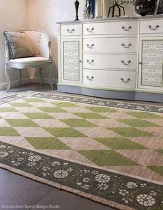 Customize a unique designer rug that shows off your personality with this fun and easy DIY tutorial that uses Chalk Paint, floor stencils, and harlequin design.
