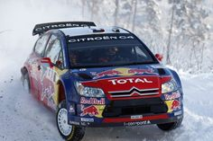 Citroen C4 in snow