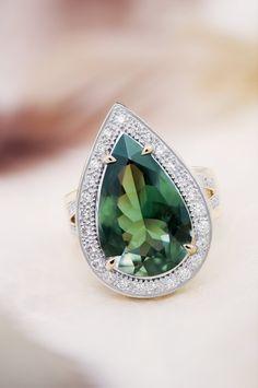 Bague en or sertie d'une Tourmaline de Namibie de 5,51ct et de 48 Diamants VS - Juwelo Haute Joaillerie