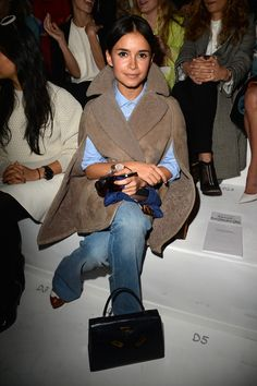 Miroslava Duma Photos Photos: Valentino : Front Row – Paris Fashion Week Womenswear Fall/Winter – Expolore the best and the special ideas about Mira duma Paris Fashion Week, Fashion Week 2015, Fashion Mode, Denim Fashion, Fashion Outfits, Womens Fashion, Mira Duma, Miroslava Duma, Look Casual Otoño