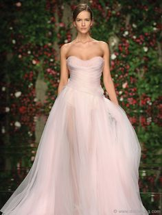 Mahfouz Soft-pink Gown: Designer Abed Mahfouz adds a refined touch of elegance to AltaRomAltaModa with this graceful, soft-pink gown. So stunning, even Cinderella would be jealous. Yes To The Dress, Dress Up, Pink Dress, Pink Tulle, Evening Dresses, Prom Dresses, Pink Gowns, Glamour, Color Rosa