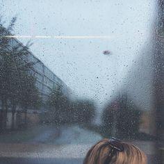-- NO NECESSARY SUNGLASSES --  .  A @jjcommunity #RainyDay challenge submission.  #JJ_forum_1367. [#albertosierra_mobilephotography]