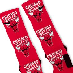 Chicago bulls socks to go with those sneaks Basketball Accessories, Jordan Swag, Tall Girl Fashion, Nike Pros Sports Bras, Tall Socks, Nike Elite Socks, Pin On, Red Bandana, What To Pack