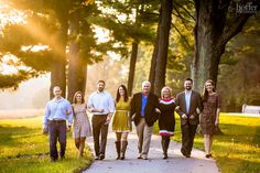 Large Family Photo Session- this would be cute with the toddlers  and babies walking/crawling at the front