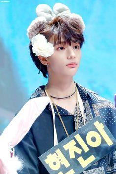 he's so cute,, i'm weak Rapper, Park Jinyoung, Drama Queens, Lee Know, Kpop Boy, Boyfriend Material, Pretty Boys, Baby Photos, Boy Bands