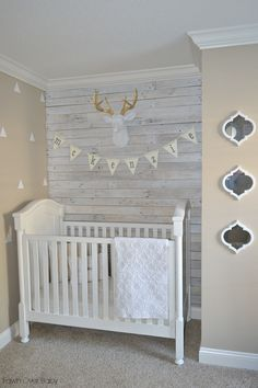 Quatrefoil shape mirrors in the baby's room are a trendy decor item to decorate a small space